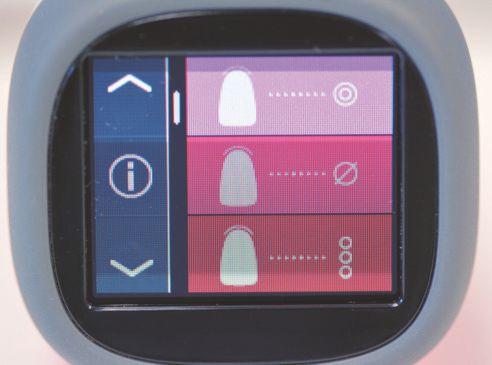 Abb. 1 Hauptmenü des OLED-Farbtouchdisplay. Hier angezeigt: Grundfarbmessung, Mittelmessung und Zahnbereichsmessung.